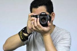 Kỹ thuật nhiếp ảnh cơ bản: cách cầm máy