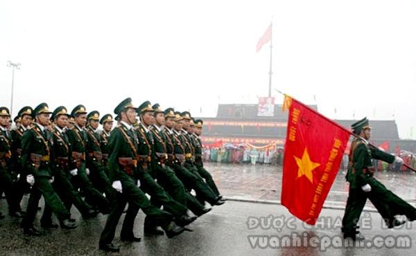 Đại lễ kỷ niệm 1000 năm Thăng Long – Hà Nội diễn ra trong 10 ngày (từ 1-10/10/2010) với 30 hoạt động văn hóa, lễ hội đặc sắc... Tâm điểm của ngày Đại lễ diễn ra trong ngày 10/10/2010 là Lễ mít tinh, diễu binh, diễu hành tại Quảng trường Ba Đình.