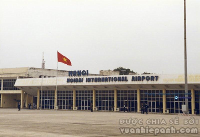 Sân Bay Nội Bài 1991. Ảnh: M. Stern