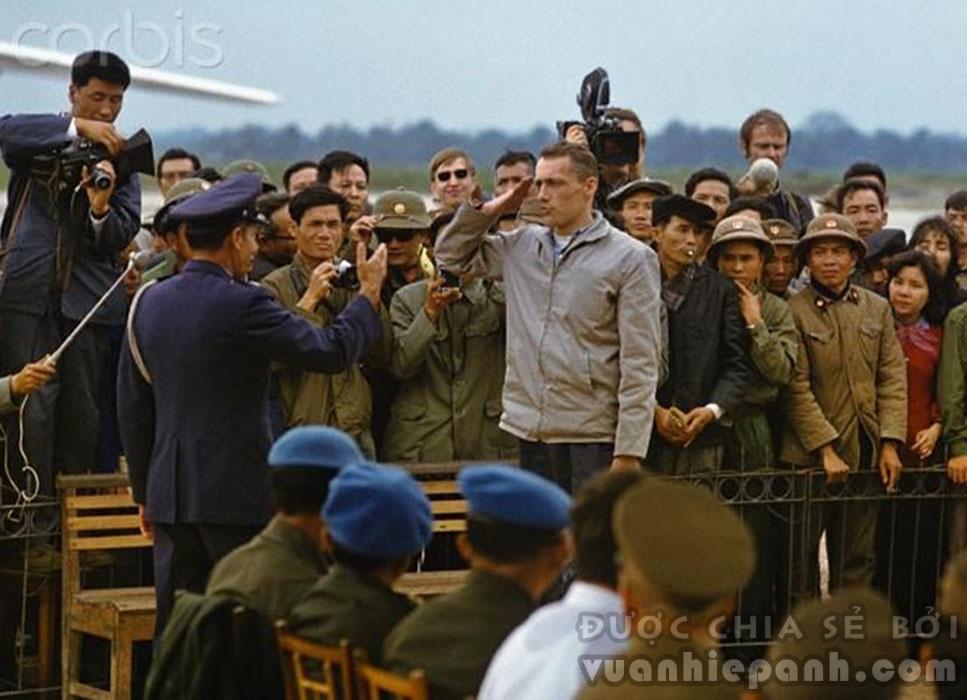 116 tù binh Mỹ được trao trả ngày 12/2/1973.