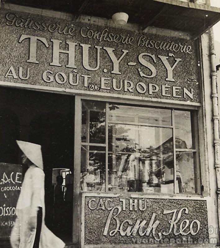 Một tiệm bánh ở Phố Hàng Trống. Le Pâtissier Thụy-Sỹ 'Au goût Européen'.