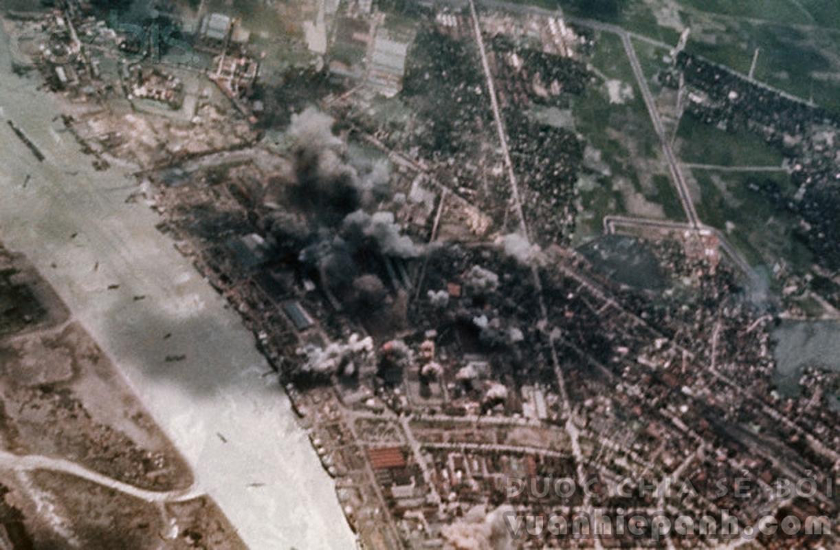 Đánh bom ngày 17/05/1972 ở Hải Phòng.