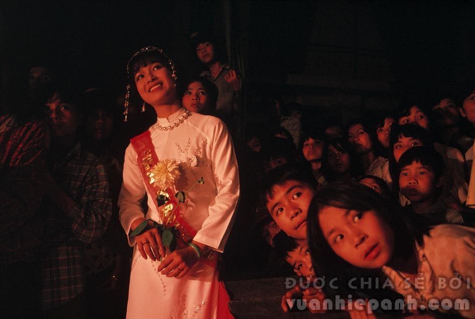 Cuộc thi Hoa Hậu Hà Nội năm 1989. Ảnh: David Alan Harvey