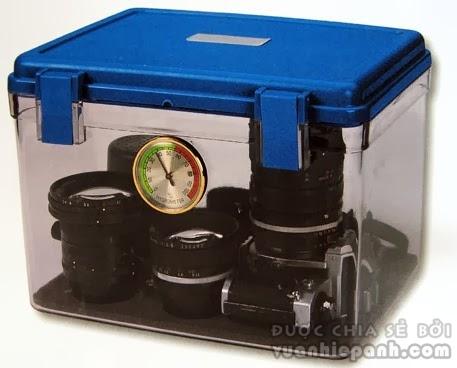 2014 01 10 102136 Cách bảo quản máy ảnh, ống kính khỏi nấm mốc